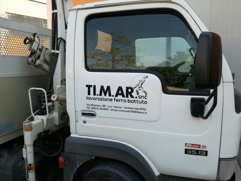 Personalizzazione sportello furgone